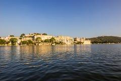 7 de novembro de 2014: Lago Pichola em Udaipur, Índia Fotos de Stock