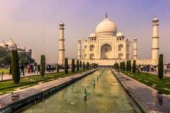 2 de novembro de 2014: Vista panorâmica dos jardins de Taj Maha Foto de Stock