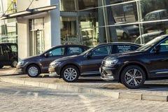 16 de novembro - Vinnitsa, Ucrânia Sala de exposições da VW de Volkswagen Fotografia de Stock