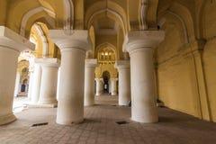 13 de noviembre de 2014: Dentro del palacio i de Thirumalai Nayakkar Mahal Fotos de archivo libres de regalías