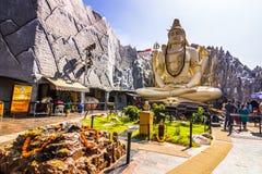 11 de noviembre de 2014: Estatua de la deidad Shiva en un templo en la explosión Fotografía de archivo libre de regalías