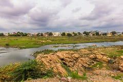 13 de noviembre de 2014: Paisaje alrededor de Madurai, la India Imágenes de archivo libres de regalías