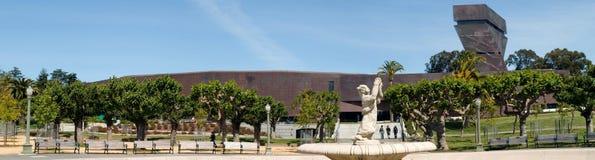 De Novo Museu com escultura imagem de stock royalty free