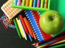 De nuevo a concepto de la escuela, efectos de escritorio de la escuela Imágenes de archivo libres de regalías