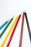 De nuevo a escuela Coloree los lápices papel Cuaderno Imágenes de archivo libres de regalías