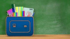 De nuevo a escuela Una mochila del vintage por completo de fuentes de escuela Foto de archivo libre de regalías