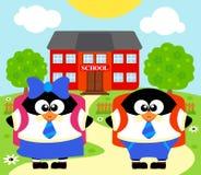 De nuevo a fondo de la escuela con los pingüinos Fotos de archivo libres de regalías