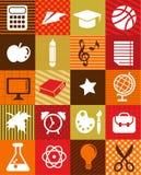 De nuevo a la escuela - fondo con los iconos de la educación Fotos de archivo libres de regalías