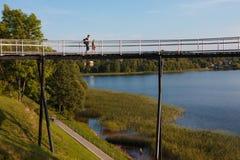 De observatiebrug van het Zarasasmeer Stock Foto
