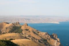 De ochtend van de bergkustlijn in de Krim Royalty-vrije Stock Fotografie