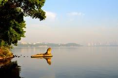 De ochtend van het Meer van het Oosten - steen royalty-vrije stock afbeelding