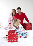 De ochtend van Kerstmis van de familie Royalty-vrije Stock Foto