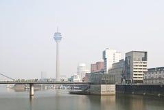 De ochtendmist van Dusseldorf Stock Foto's