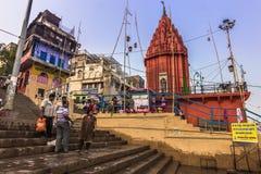 31 de octubre de 2014: Ciudad de Varanasi, la India Fotos de archivo libres de regalías