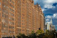 24 de octubre de 2016 - construcciones de viviendas del ladrillo New York City Foto de archivo libre de regalías