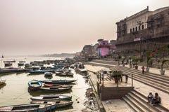 31 de octubre de 2014: Costa de Varanasi, la India Foto de archivo libre de regalías