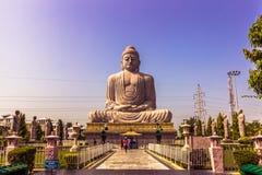 30 de octubre de 2014: Gran estatua de Buda en Bodhgaya, la India Fotografía de archivo libre de regalías