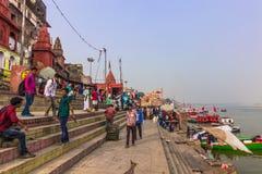 31 de octubre de 2014: Población de Varanasi, la India Fotografía de archivo