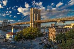 24 de octubre de 2016 - puente de BROOKLYN, NUEVA YORK - de Brooklyn y visto en la hora mágica, puesta del sol, NY NY Imágenes de archivo libres de regalías