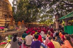 30 de octubre de 2014: Reunión de monjes tibetanos en Bodhgaya, la India Fotos de archivo libres de regalías