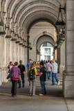 2 de octubre de 2014: Washington, DC - gente que viaja a través de la unión Foto de archivo libre de regalías
