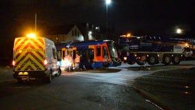 25 de octubre de 2018 incidente importante de Sheffield Stagecoach Train Tram Crash almacen de video