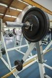 De oefeningsmateriaal van de lichaamsgeschiktheid in de gymnastiek Royalty-vrije Stock Foto's