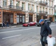 De OEKRAÏNE, KIEV - September 9.2013: Dure supercars en slecht s Stock Foto's