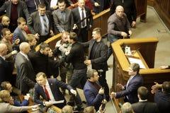 11 26 2018 de Oekraïne kiev Verkhovna Rada van de Oekraïne Stemming voor de wet op krijgswet in de Oekraïne Afgevaardigden van de stock fotografie