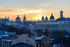De Oekraïne, Lviv - December, 16, 2016: Ochtend Lviv, zonsopgang Mening Stock Foto