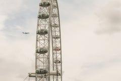 De ogencapsule en Vliegtuig van Londen ` s Royalty-vrije Stock Afbeeldingen