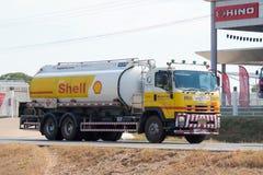 De olie van het vrachtwagenvervoer van shell bedrijf royalty-vrije stock foto's