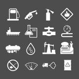 De olieindustrie en aardolie geplaatste pictogrammen Royalty-vrije Stock Foto's