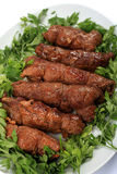 De olijven en de peterselieverticaal van het rundvlees Stock Fotografie