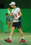 De olympische kampioen Andy Murray van Groot-Brittannië in actie tijdens mensen ` s verdubbelt eerste ronde gelijke van Rio 2016  Royalty-vrije Stock Foto's