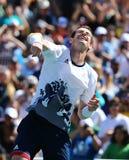 De olympische kampioen Andy Murray van Groot-Brittannië viert overwinning nadat de mensen ` s halve finale van Rio 2016 Olympisch Royalty-vrije Stock Afbeelding