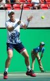 De olympische kampioen Andy Murray van Groot-Brittannië viert overwinning nadat de mensen ` s halve finale van Rio 2016 Olympisch Stock Afbeelding