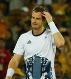 De olympische kampioen Andy Murray van Groot-Brittannië viert overwinning nadat de tennismensen ` s def. van Rio 2016 Olympische  Royalty-vrije Stock Afbeeldingen