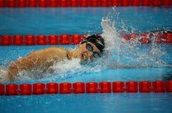 De olympische kampioen Katie Ledecky van Verenigde Staten concurreert bij het vrije slag van Vrouwen 800m van Rio 2016 Olympische royalty-vrije stock foto