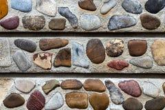 De omheining van de abstractiemuur van natuursteenachtergrond die wordt gebouwd royalty-vrije stock foto
