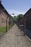 De omheining van de draad in concentratiekamp Auschwitz stock fotografie