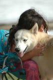 De Omhelzing van de hond royalty-vrije stock afbeelding