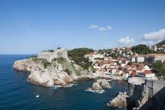 De Ommuurde Stad van Dubrovnic in Kroatië Europa Dubrovnik wordt een bijnaam gegeven `-Parel van Adriatic Stock Fotografie