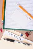 De omslag van contracten Stock Foto's