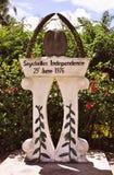 De onafhankelijkheidsmonument van Seychellen op Praslin-Eiland stock afbeeldingen