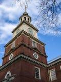De de onafhankelijkheidszaal, Philadelphia, Pennsylvania, V.S., bouw en standbeeld Stock Foto