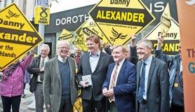 De ondersteunende collega's van Charles Kennedy in de verkiezing van 2015 Stock Foto's
