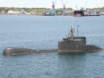 De onderzeeër komt aan Kiel Canal. stock foto's