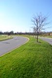 De onlangs Geconstrueerde Rijweg In de voorsteden van het Asfalt Stock Foto
