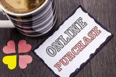 De Online Aankoop van de handschrifttekst De conceptenbetekenis koopt dingen op het net gaat winkelend die zonder huis op Kleveri stock afbeelding